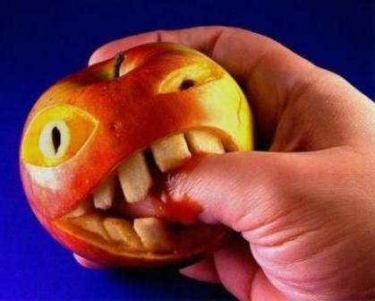 Прикольный карвинг из яблока