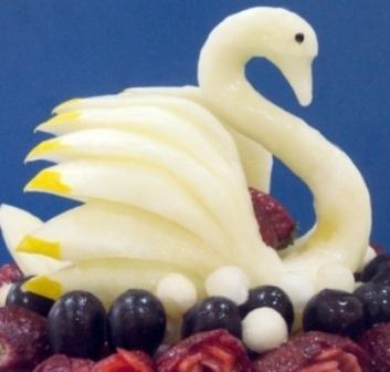 Лебедь из дыни